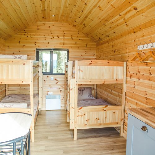 Hobbit Hill Glamping Cabin - bunks